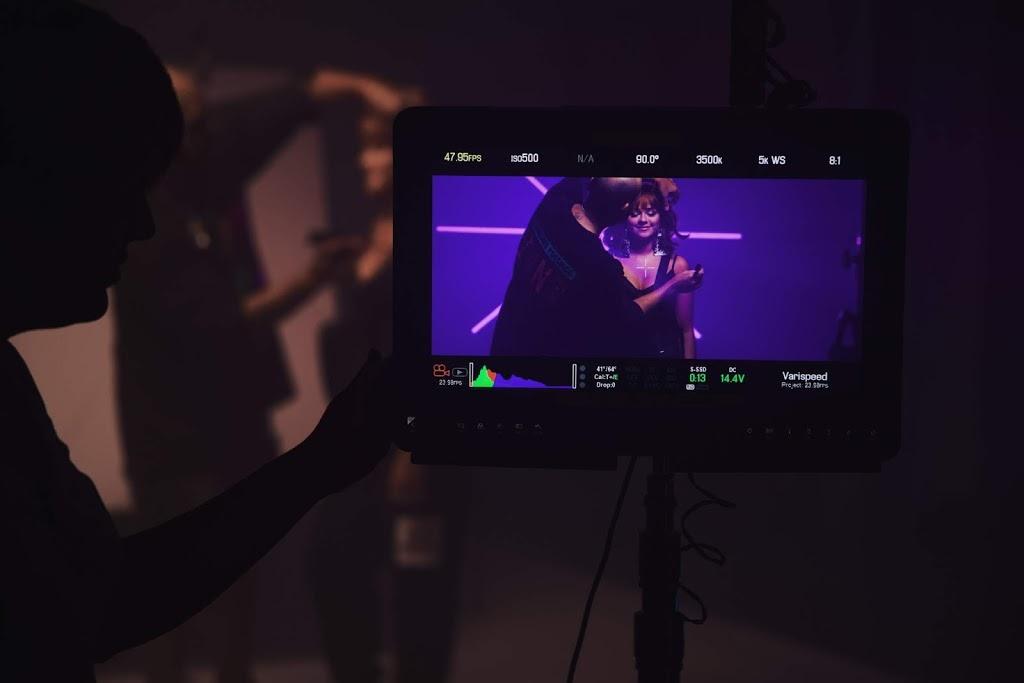 DALLIZ continúa presentando su single  El Candao