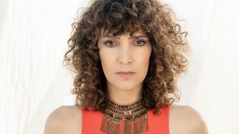"""Gaby Moreno lanza """"Yemayá"""" en colaboración con Mexican Institute of Sound (MIS)  en Grammy.com"""