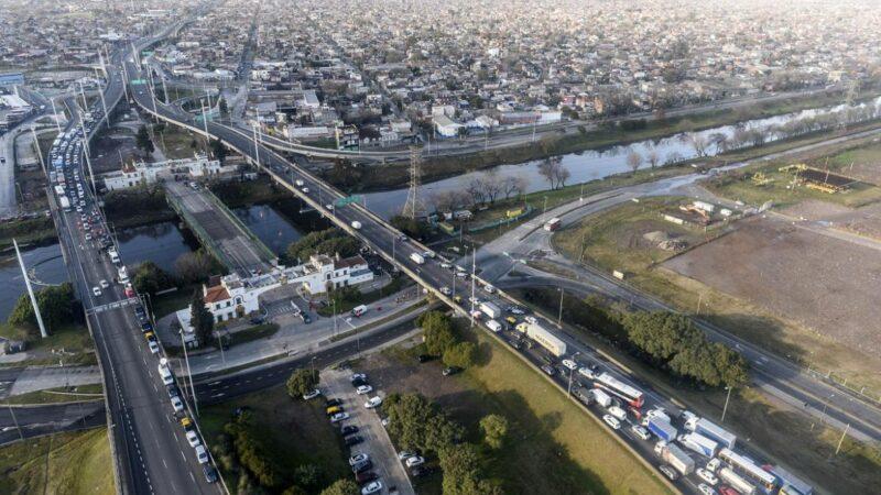 Por la cuarentena estricta, la circulación de vehículos en autopistas y avenidas porteñas bajó un 25% respecto de la semana pasada