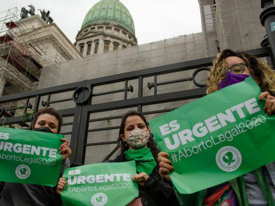 El Presidente envió al Congreso el proyecto de ley para legalizar la interrupción voluntaria del embarazo y el de los 1.000 días