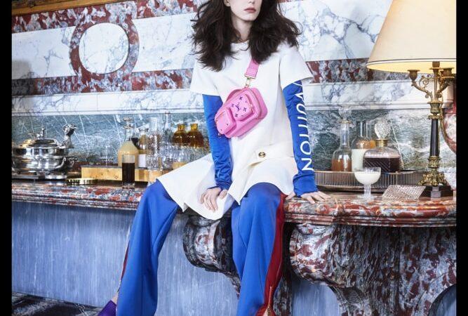 Louis Vuitton presenta el lookbook de su colección femenina Pre-Fall 2021 junto a la actriz Stacy Martin