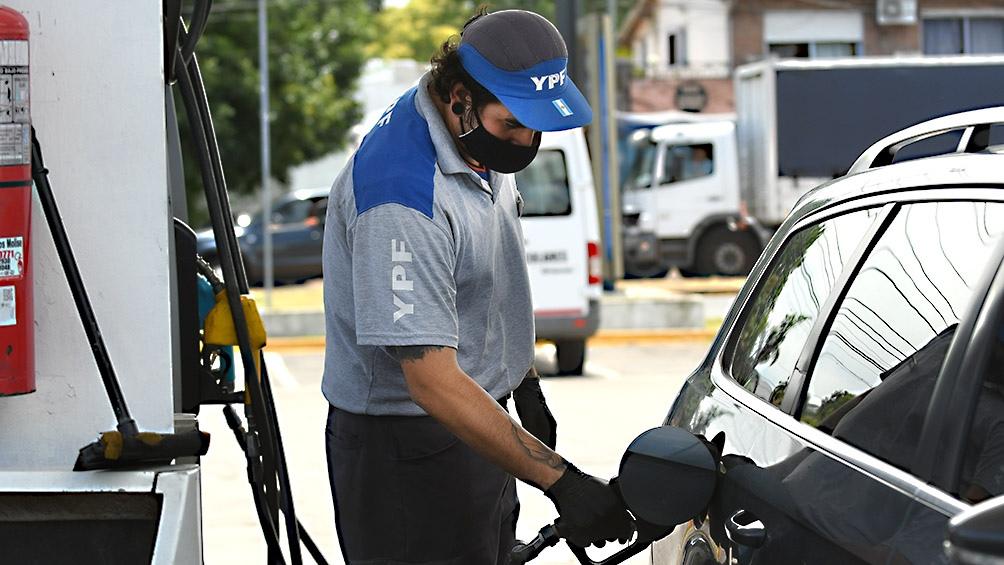 YPF aumentó los combustibles un 7% promedio en todo el país