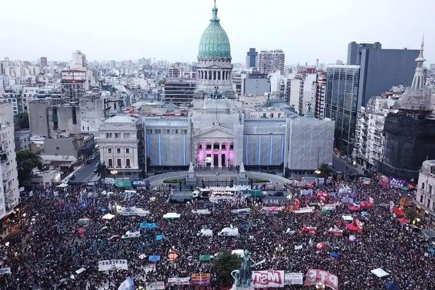 8M: marchas al Congreso y el Obelisco para visibilizar los reclamos de género