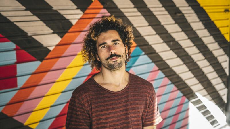 Desde Barcelona, el argentino RICCI NOSTRA presenta 'Fugaces', primer corte de su próximo disco 'La maldición del amarre'