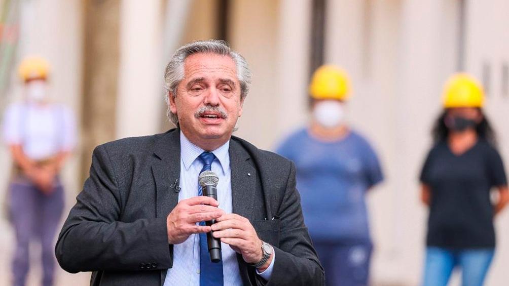 """Alberto Fernández saludó a los trabajadores: """"El trabajo mueve a las sociedades y dignifica"""""""