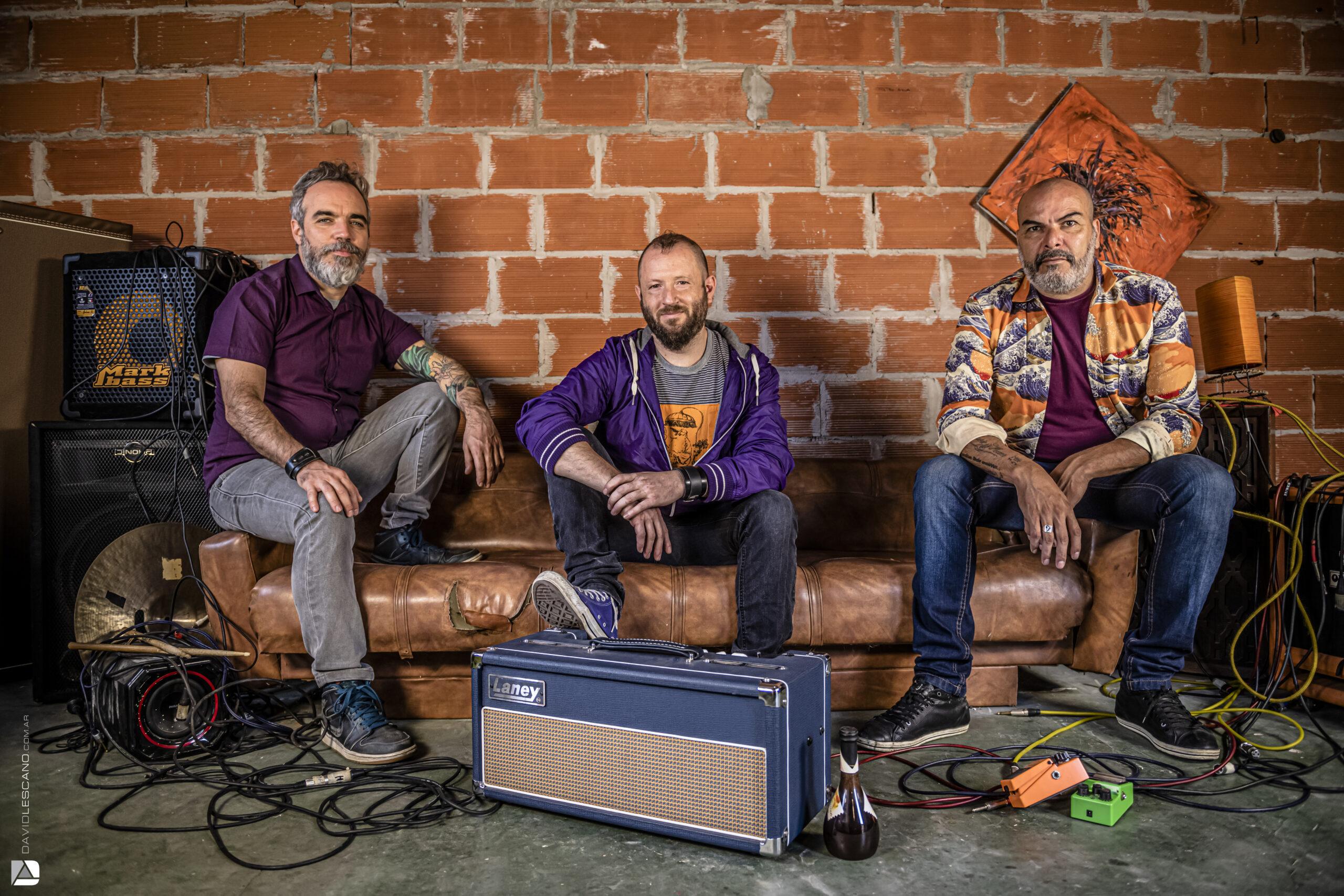 Estéreo Simple presenta una versión muy particular de Gente sin Swing  de Fito Páez