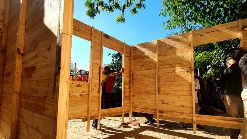 Más que un granito de arena: construyen casas de manera solidaria y gratuita para personas en situación de vulnerabilidad
