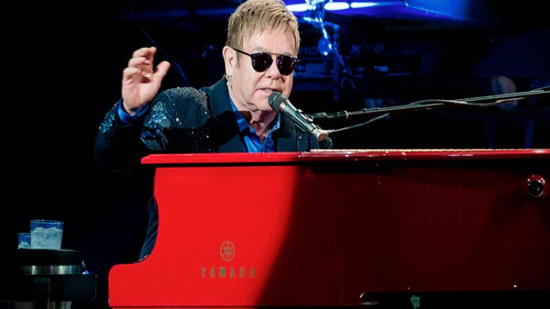 Subastaron un piano de Elton John, la guitarra de Prince y una caricatura de Kurt Cobain