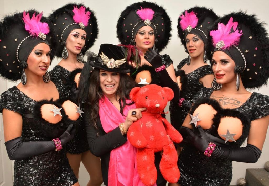 Mes del Orgullo: Diputados reconocen show histórico de transformismo