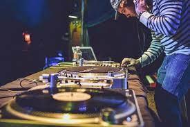 Buscan DJ residentes para un premio de un millón de dólares, viajes alrededor del mundo y múltiples actuaciones