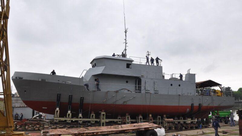 Satisfacción en los trabajadores del Astillero Río Santiago ante botadura de una nueva embarcación